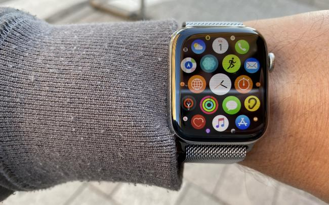 Wearable Technology | Apple Watch Series 5, Samsung Gear